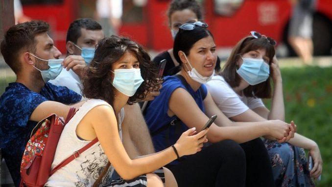 Korona virus: Protesti protiv uvođenja policijskog časa, grupa demonstranata ušla u Skupštinu Srbije 2