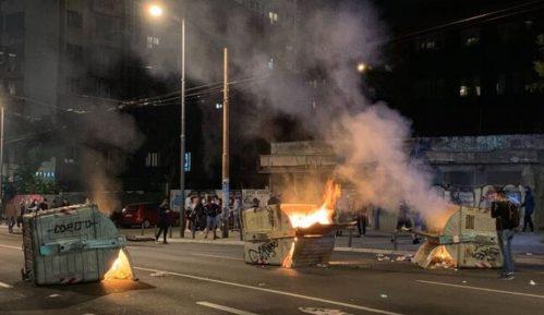 Protesti u Beogradu: Kako su reporterke i snimatelji N1 izneli noć između 7. i 8. jula na svojim leđima 20