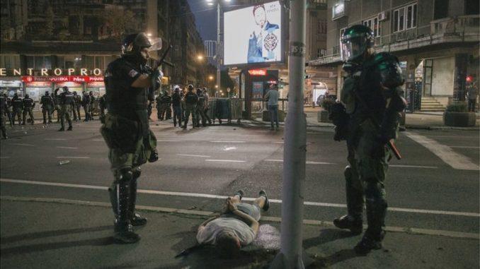 Protesti u Srbiji: Kako zakoni definišu prekoračenje ovlašćenja policije 3