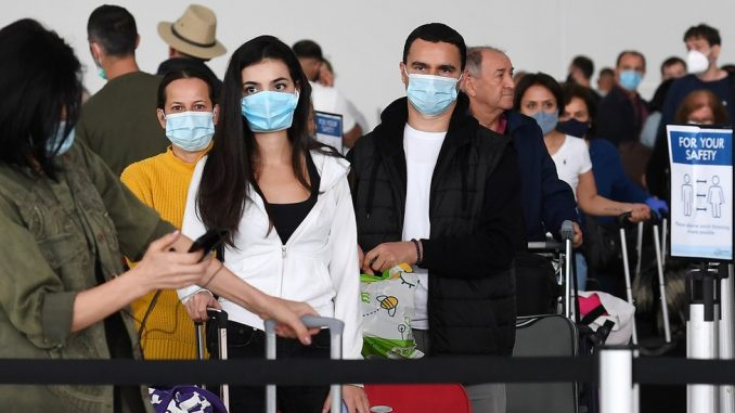 Korona virus: U Srbiji sve više ljudi u bolnicama, Tramp prvi put u javnosti sa maskom 4