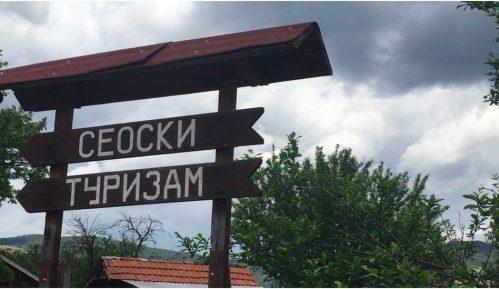 U Srbiji u julu 2020. upola manje turista 13