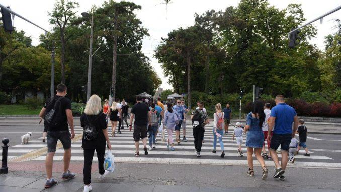 Korona virus: U Srbiji 372 novoobolelih, mladi potencijalni krivci za nove pikove u Evropi, upozorava SZO 4