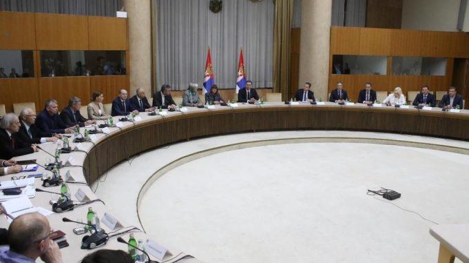 Korona virus i Srbija: Ko su lekari koji sede u Kriznom štabu 4