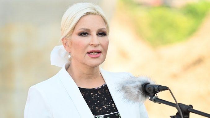 Mihajlović: Opozicija da prestane da napada žene 5