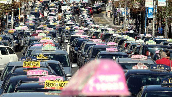 Vlast taksistima za nova kola daje 11,7 miliona evra 2