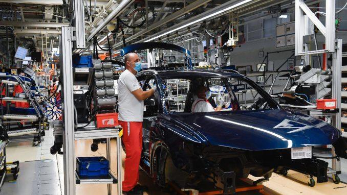 Firme počele da dele otkaze, na udaru industrijski radnici 3