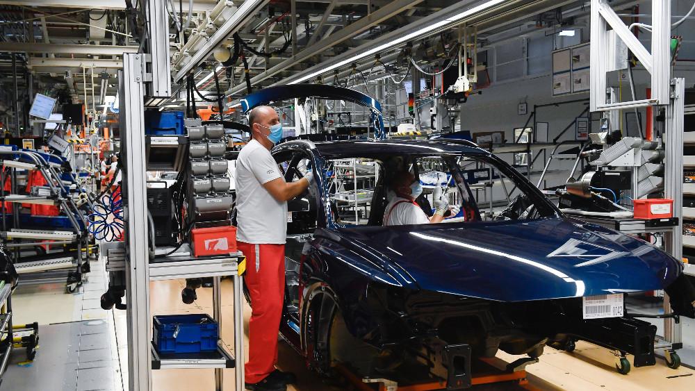 Firme počele da dele otkaze, na udaru industrijski radnici 1