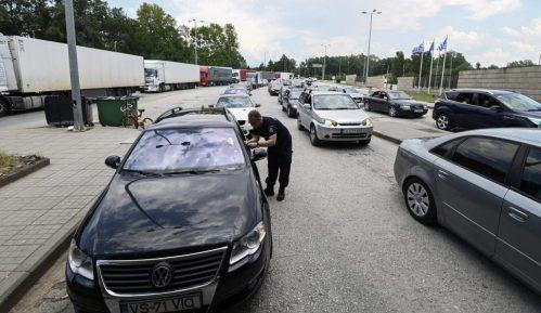 U Grčku ušlo 105 automobila sa turistima iz Srbije 2