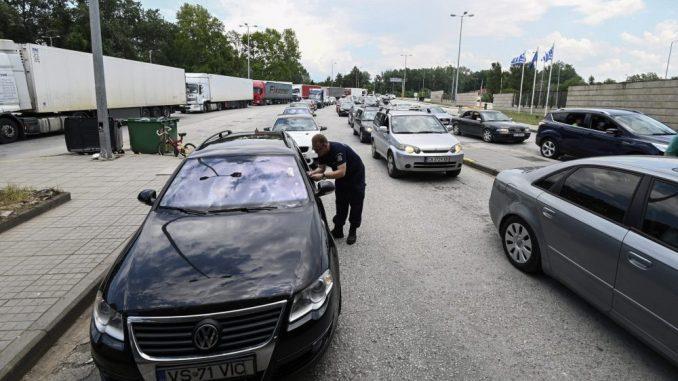 U Grčku ušlo 105 automobila sa turistima iz Srbije 4