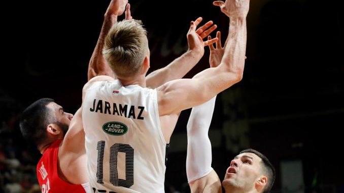 Zvezda kolo vodi, Partizan i Budućnost prate 1