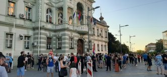 Protesti u više gradova Srbije četvrti dan zaredom (FOTO/VIDEO) 12