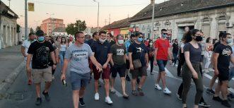 Protesti u više gradova Srbije četvrti dan zaredom (FOTO/VIDEO) 11