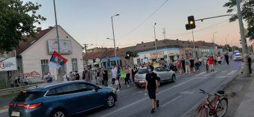 Protesti u više gradova Srbije četvrti dan zaredom (FOTO/VIDEO) 16