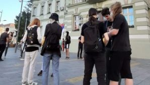 Protesti građana nastavljeni u više gradova Srbije (FOTO/VIDEO) 3