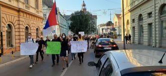 Protesti građana nastavljeni u više gradova Srbije (FOTO/VIDEO) 7