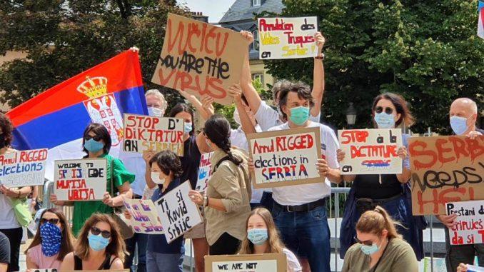 """Protest """"Ćale ovo je za tebe – podrška srpskom narodu protiv diktature"""" održan u Luksemburgu 2"""
