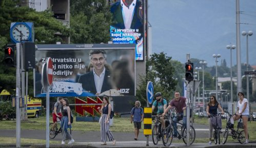 U Hrvatskoj otvorena birališta, zbog korona virusa najizazovniji izbori dosad 12