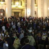 AP: Srbi protestuju zbog ponovnog uvođenja protivepidemijskih mera 11