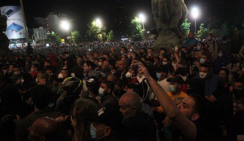 AFP: Protesti u Srbiji posle predsednikove najave policijskog časa 10