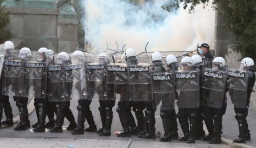 Amnesti: Policija Srbije mora da prestane s nasiljem nad demonstrantima 4