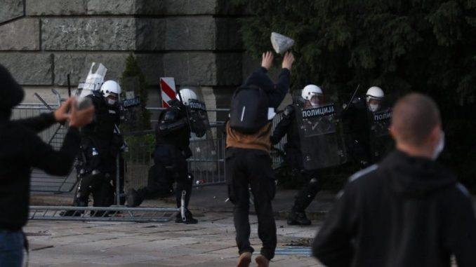 Brnabić: Šačica policije branila osnovne demokratske institucije u Srbiji 2