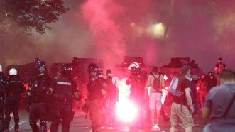 Policija rasterala demonstrante suzavcima i oklopnim vozilima iz centra Beograda (VIDEO, FOTO) 33