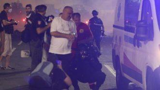 Policija rasterala demonstrante suzavcima i oklopnim vozilima iz centra Beograda (VIDEO, FOTO) 30