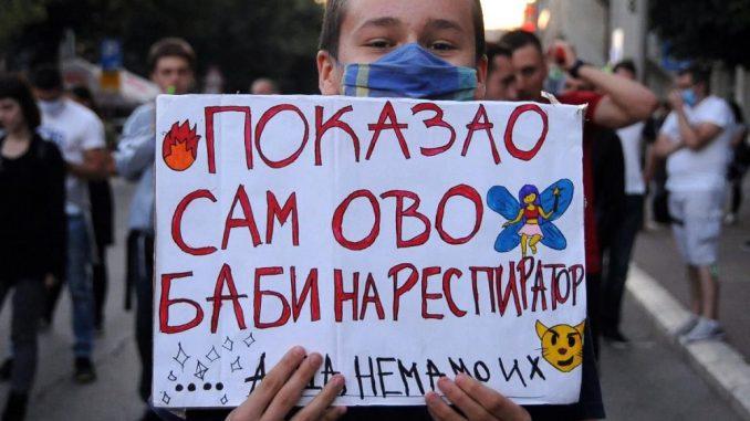 Večeras protestovali Zrenjaninci i Nišlije (FOTO/VIDEO) 22