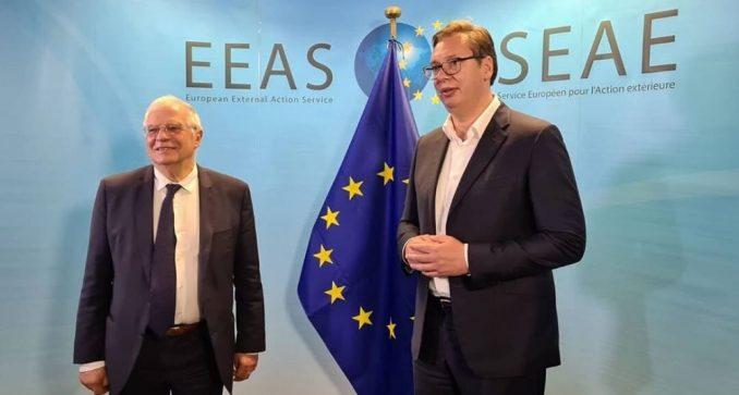 Vučić se u Briselu sreo sa Varheljijem i Boreljom 3