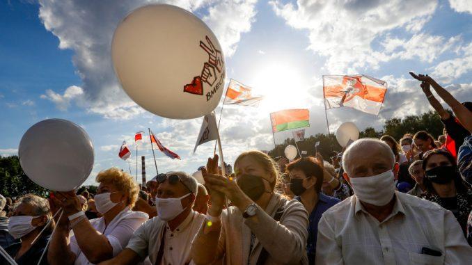 Nekoliko hiljada ljudi na protestu opozicije u Belorusiji 3