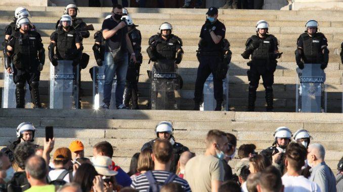 Mame Srbije poručuju: Vlast ne sme da tuče našu decu 4