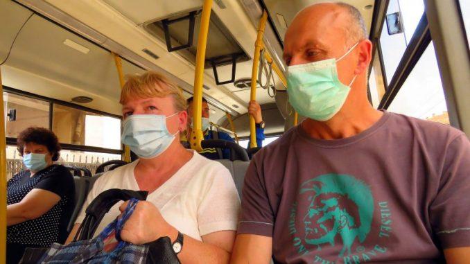 Još 416 novoobolelih, dvoje preminulih, na respiratorima 24 pacijenta 2