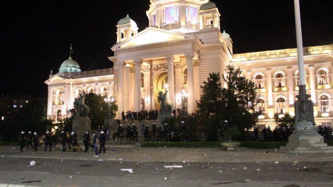 Zavod: Narodna skupština značajno oštećena, to je vandalizam nad spomenikom kulture 1