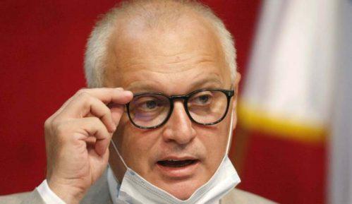 DS: Vesić danima crta metu na čelu istoričarke Dubravke Stojanović neistinama da brani Pavelića 6