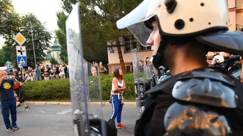 Strani mediji o protestima u Srbiji: Haotični sukobi na ulicama 2
