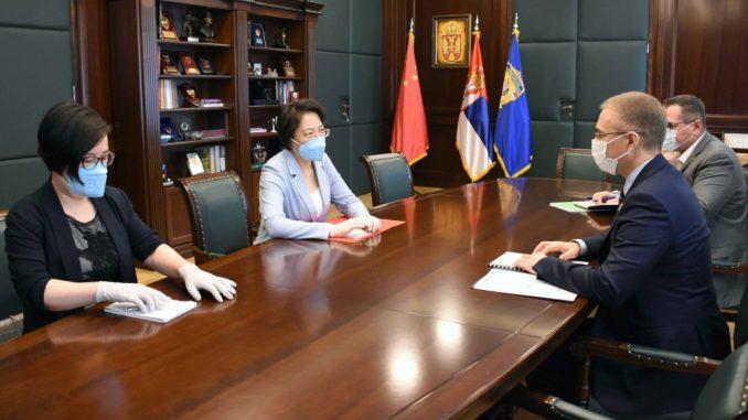 Stefanović se sastao s ambasadorkom Čen Bo 4