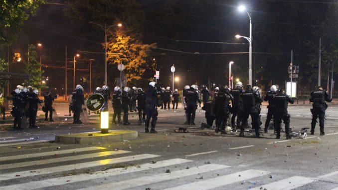 Nemački javni servis: Neredi na protestima u Beogradu 3