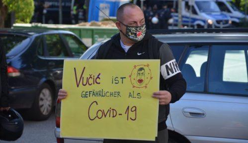 Protest ispred konzulata Srbije u Hamburgu (FOTO, VIDEO) 8
