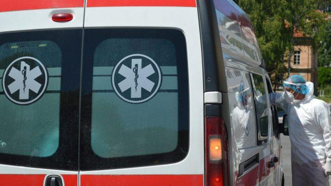 U sudaru kombija i kamiona dvoje poginulo, petoro povređeno 4