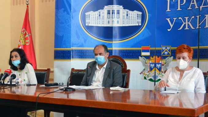 Vanredna situacija u Užicu: U bolnici 214 pacijenata, inficirano sve više zdravstvenih radnika 2