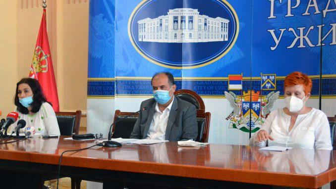 Vanredna situacija u Užicu: U bolnici 214 pacijenata, inficirano sve više zdravstvenih radnika 4