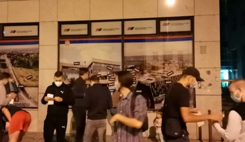 I u Novom Sadu protestni skup zbog najavljenih mera (VIDEO) 10