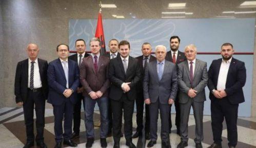 """Mercedes diplomatija"" albanskog ministra Genta Cakaja 15"