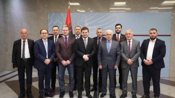 """Mercedes diplomatija"" albanskog ministra Genta Cakaja 1"