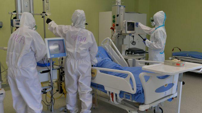 U Opštoj bolnici u Čačku smešteno 80 pacijenata zbog korona virusa, četvoro na respiratorima 4