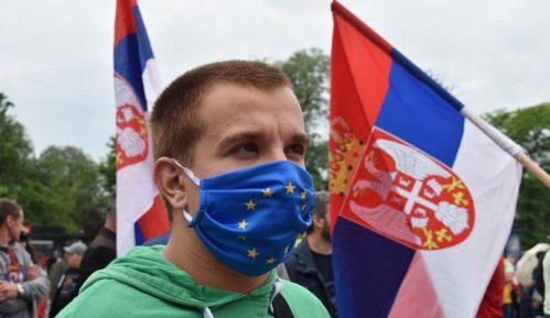Srbija je zarobljena zemlja urušenih institucija 13