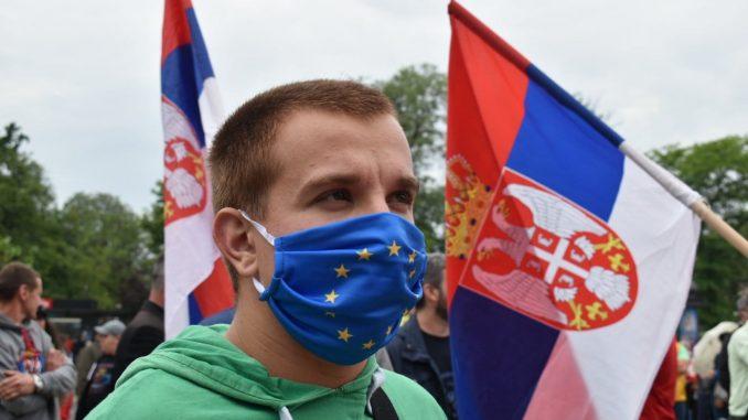 Srbija je zarobljena zemlja urušenih institucija 2
