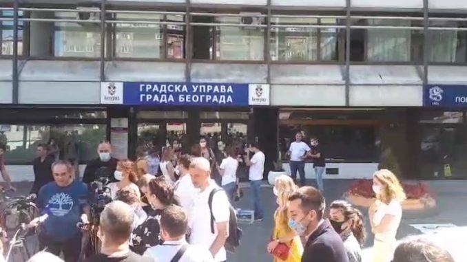 """Inicijativa Ne davimo Beograd predala preko 30.000 potpisa podrške """"Inicijativi za odbranu Košutnjaka"""" (VIDEO) 4"""