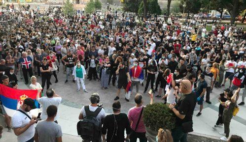 Sloga: Protesti su socijalni bunt, a ne politički 14