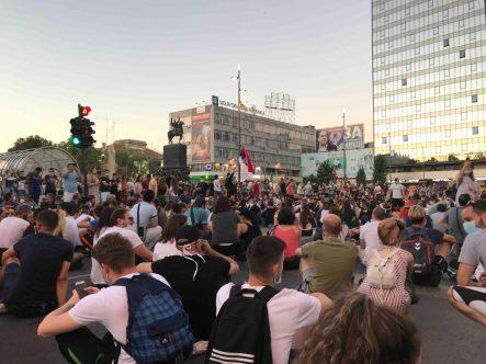 Protesti u više gradova Srbije (VIDEO) 7
